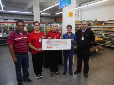Bistek Supermercado realiza a entrega do Troco Solidário